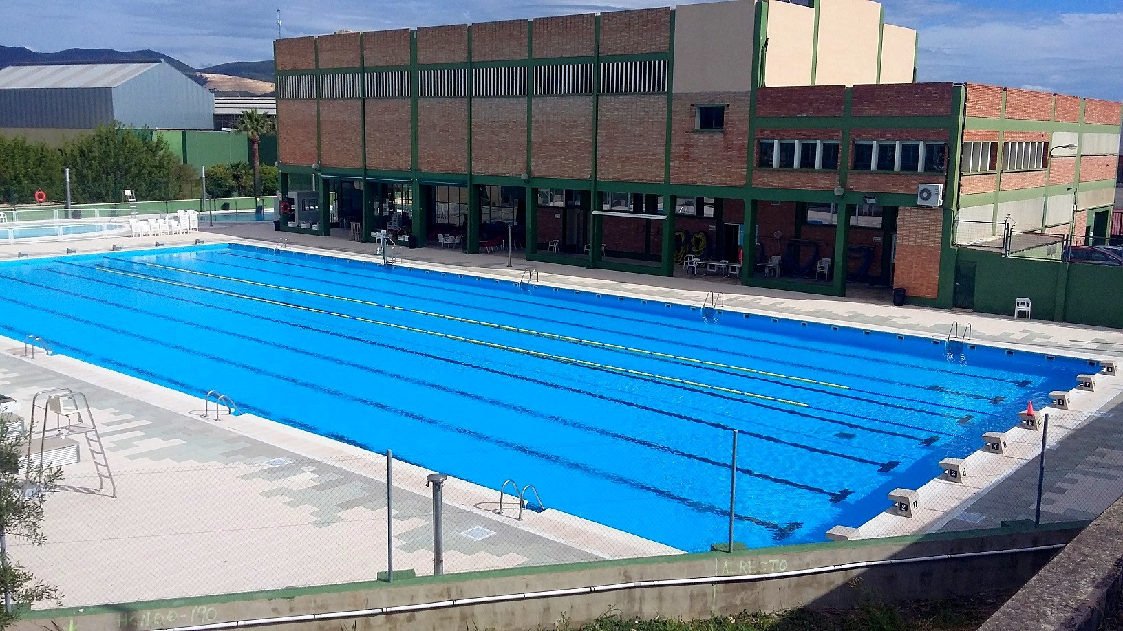 Outdoor 50m Pool