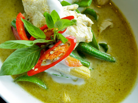 Thai Green Curry & Steam Rice with Pandan Leaves