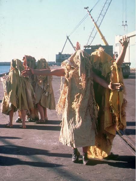 מרים שרון – אשדודה. תיעוד מיצג בנמל אשדוד, 1978.
