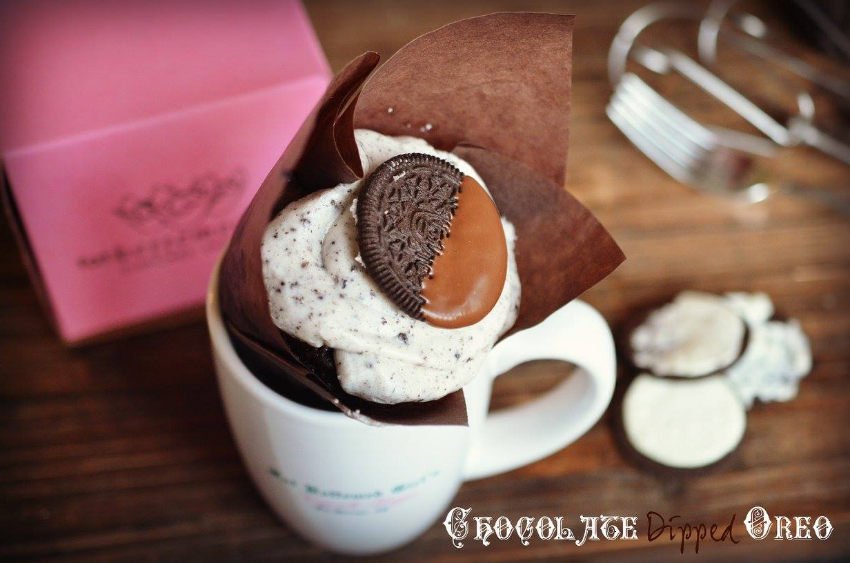 Chocolate Dipped Oreo Cupcake
