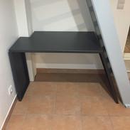 Optimisation de l'espace: bureau sous escaliers