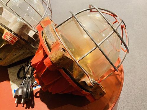 Lampe Mapelec rouge anti-déflagration en fonte