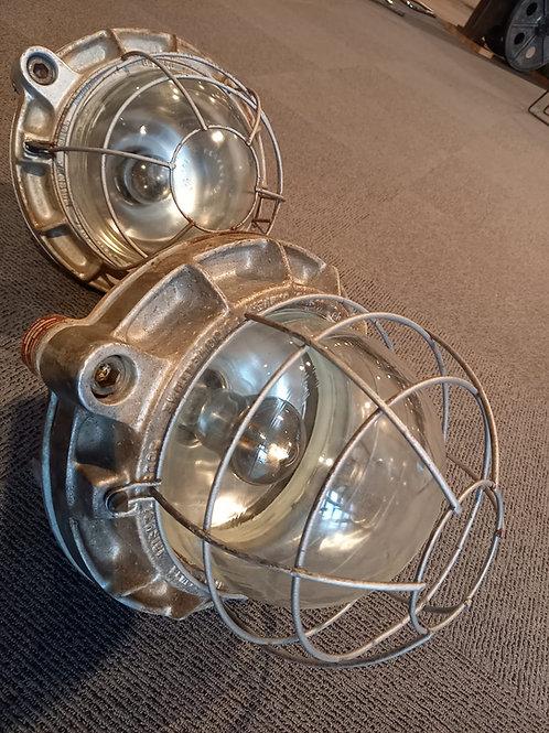 Lampe Perfeclair en fonte d'aluminium