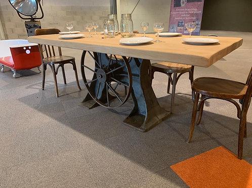Table Camet
