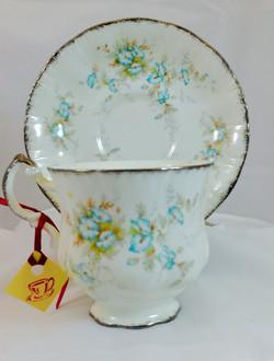 Baby Blue Buds teacup.jpeg