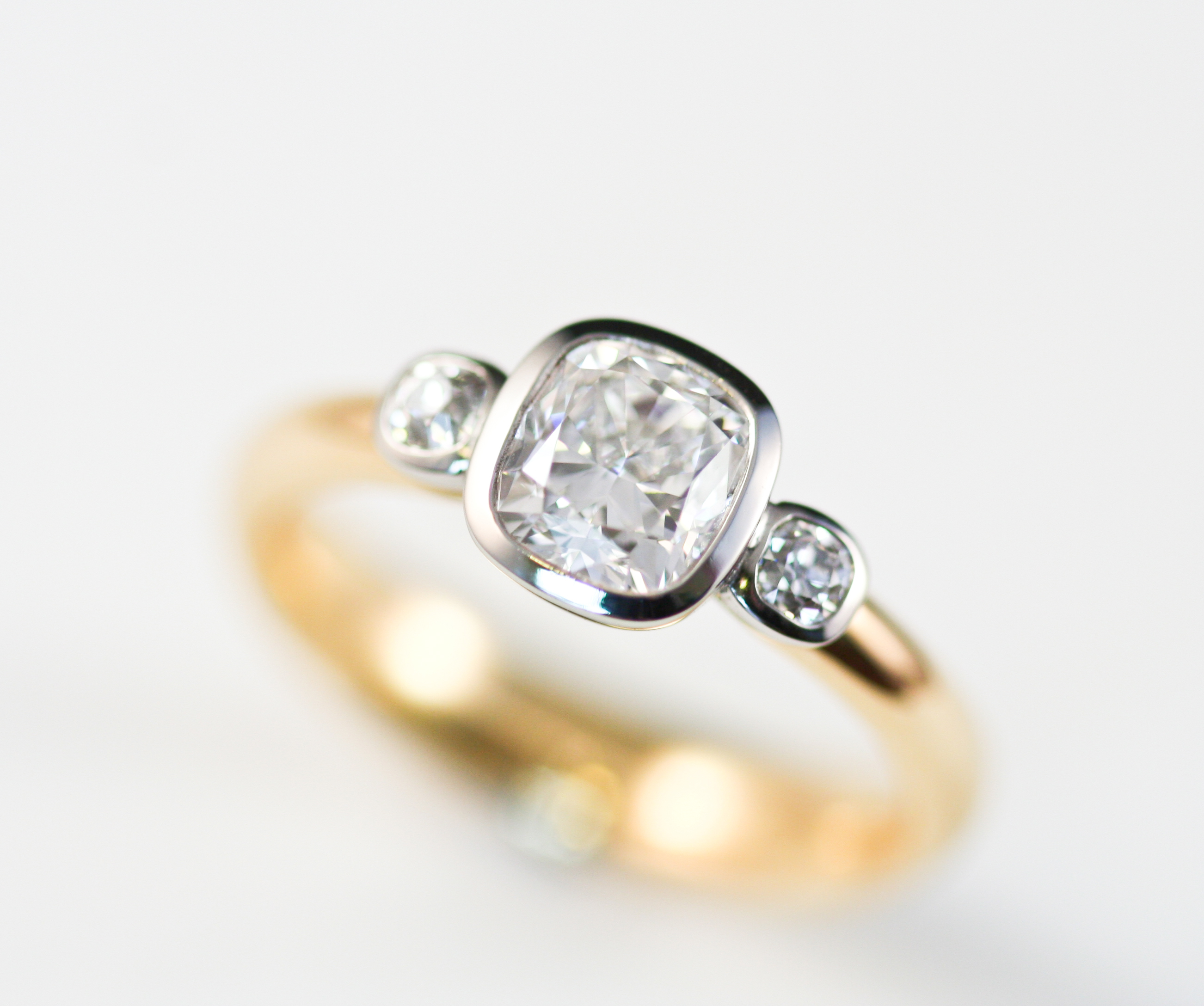 18ct & platinum diamond ring