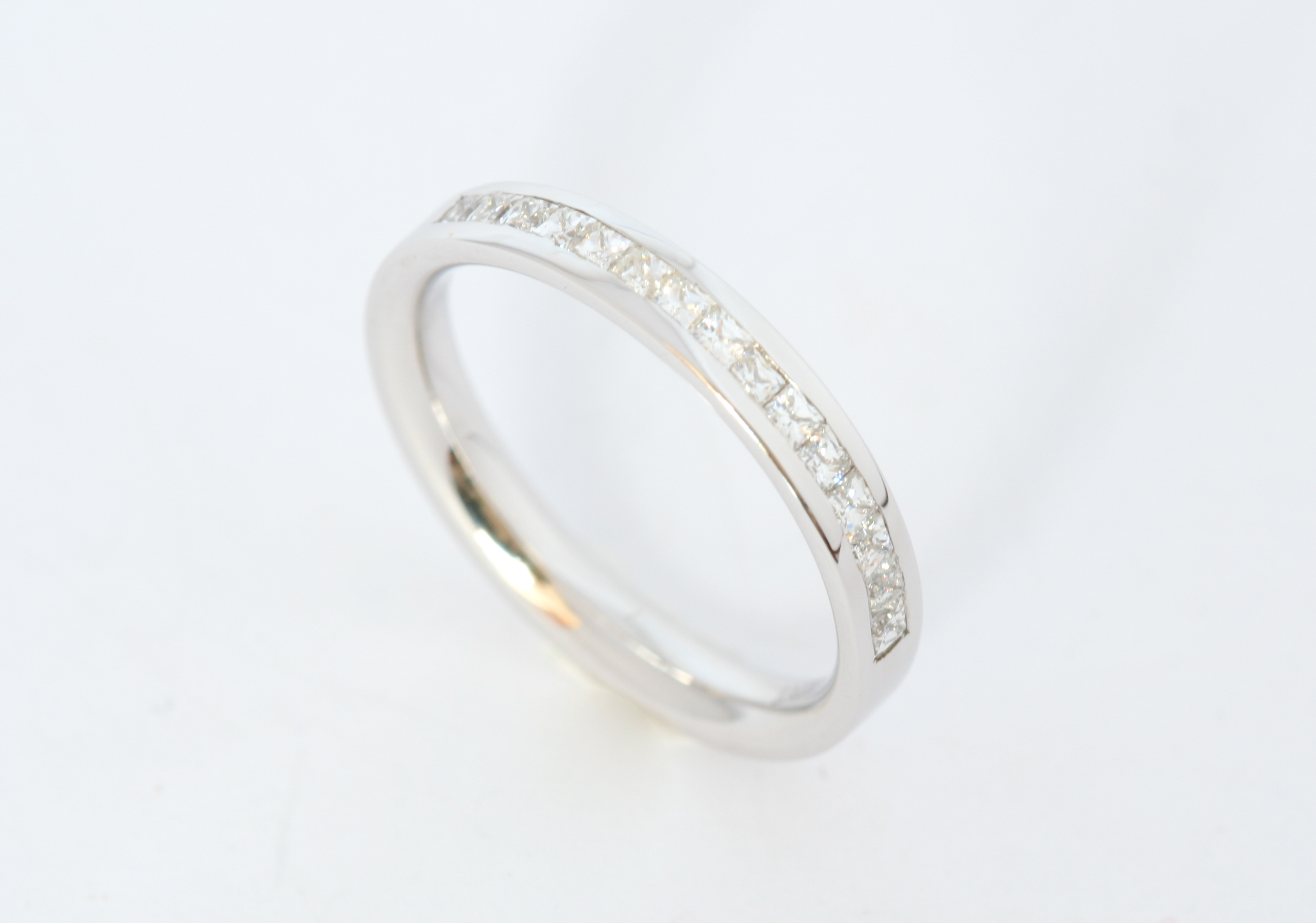 18ct princess cut diamond band