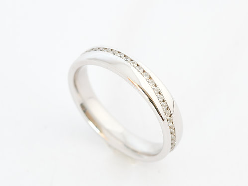 Wavy diamond ring