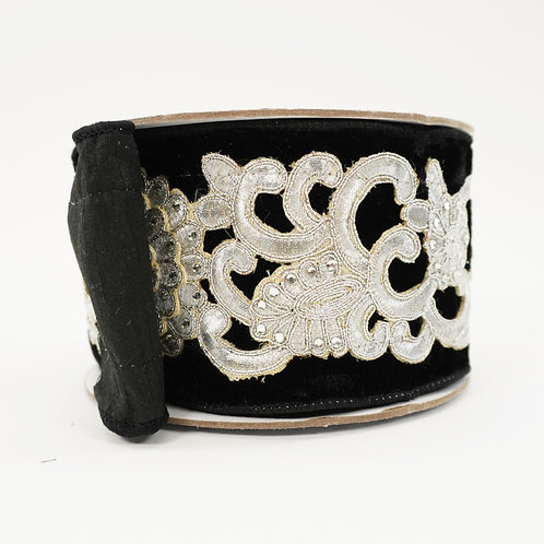 RIBBON FLORAL LACE 4X5YD BLACK AND SILVER WITH JEWELS