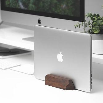 workpub_laptop_dock.jpg