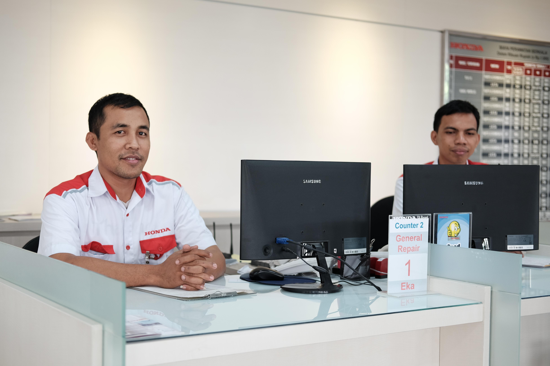 Experienced Service Advisor