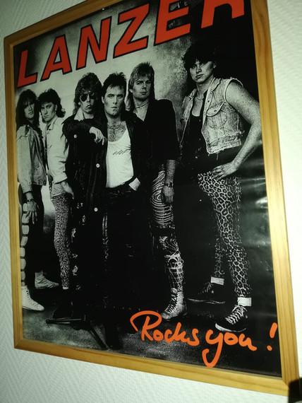 Guitar Inn Lanzer.jpg