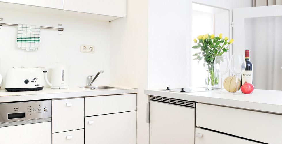 City4home Voll ausgestattete Küchen