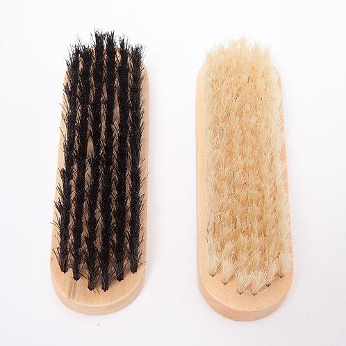 2 superior shoe brushes (13 x 5cm)