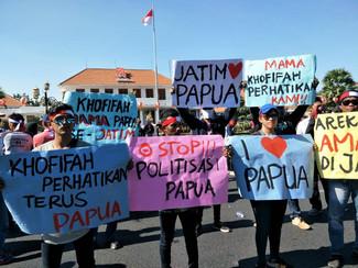 Aliansi masyarakat Indonesia Timur gelar aksi di Gedung Grahadi memastikan tidak ada perbedaan di Ja