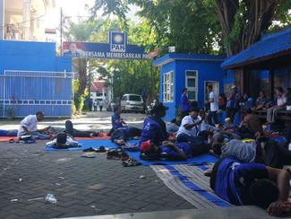 Puluhan kader PAN Lamongan duduki sekertariat DPW PAN Jatim