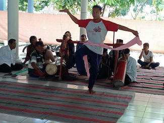 Balai Bahasa Jawa Timur Gelar Revitalisasi Sandur Manduro