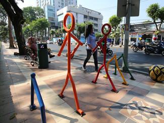 Design unik bollard-bollard di pedestrian Jl.Pemuda