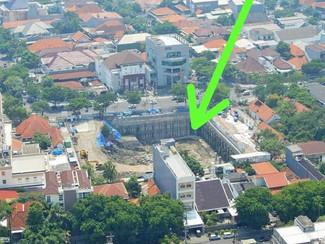 NKE tutup galian basement di Jl.Raya Gubeng