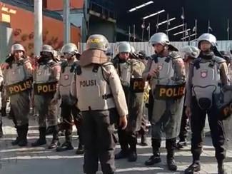 Pasar Buah Tanjung Sari disegel Satpol PP tanpa perlawanan
