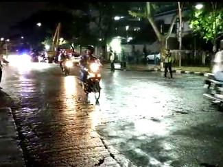 Jalan Raya Gubeng dibuka lagi