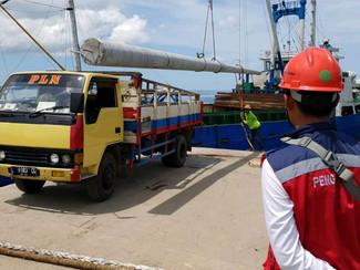 8 PLTS siap menerangi pulau pulau terluar di Madura
