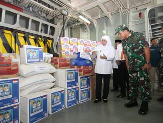 Misi kamanusiaan jalin persaudaraan Jatim - Papua, Pemprov Jatim kirim bantuan logistik ke Papua