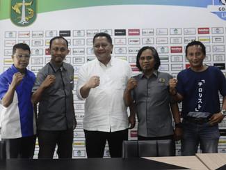 Jelang Futsal Battle Island, Wawali Whisnu Sakti beri arahan ke Siwo PWI Jatim