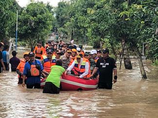 15 Kabupaten di Jatim terkena banjir, lebih 12.496 KK terdampak banjir