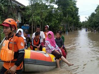 Ini langkah Gubernur Khofifah atasi banjir  akibat luapan aliran sungai bengawan solo dan curah huja