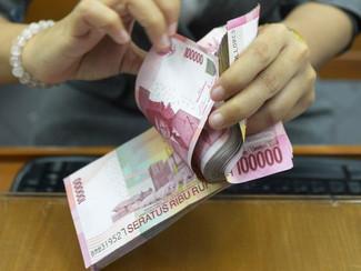 Walikota keluar negeri, gaji ke 13 PNS Kota Surabaya tertunda