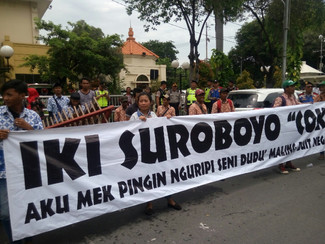 Pengamen demo RUU Musik, tolak diminta mainkan lagu Jokowi