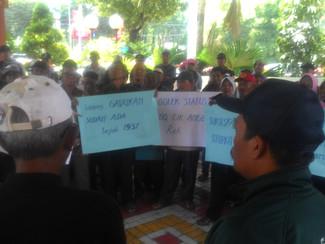 Ratusan warga Gadukan utara tuntut sertifikat tanah