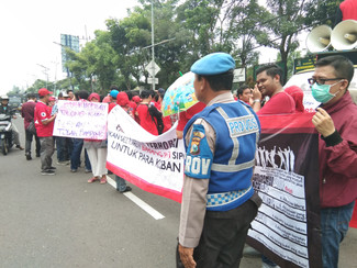 Ratusan korban Sipoa maki-maki Jaksa saat demonstrasi