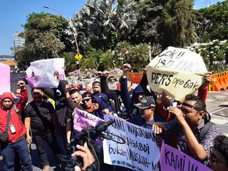 Kecam kekerasan terhadap Jurnalis, Jurnalis se Surabaya gelar aksi di depan Grahadi