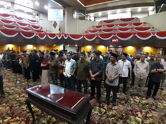 Dilantik 120 anggota DPRD Jatim baru akan dapat dua pin emas