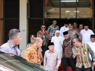 Jusuf Kalla: Biarkan orang berjualan di Masjid, jangan pengurus Masjid melarang