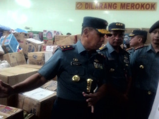 Dari Surabaya, KRI Makassar TNI AL kembali kirim bantuan untuk Palu
