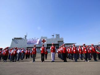 Kemnsos Ajak 400 Pelajar dan Santri Baksos Jelajah Perairan Suramadu Dengan Kapal TNI AL