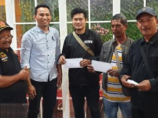 Warga terdampak pembangunan saluran Sepat Lidah Kulon terima tali asih
