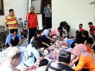 DPRD Surabaya potong hewan kurban
