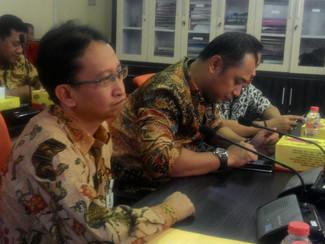 Didesak cairkan gaji ke 13, Pemkot Surabaya masih mengkaji aturan