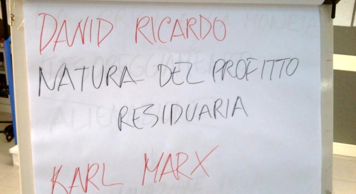 lezione_di_economia_in_biblioteca_04