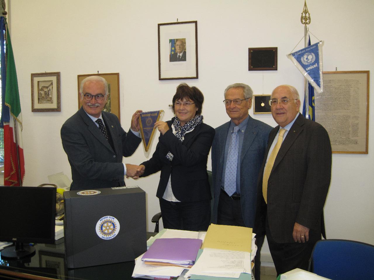 Rotary Salerno Esty consegna PC 2013 (4)