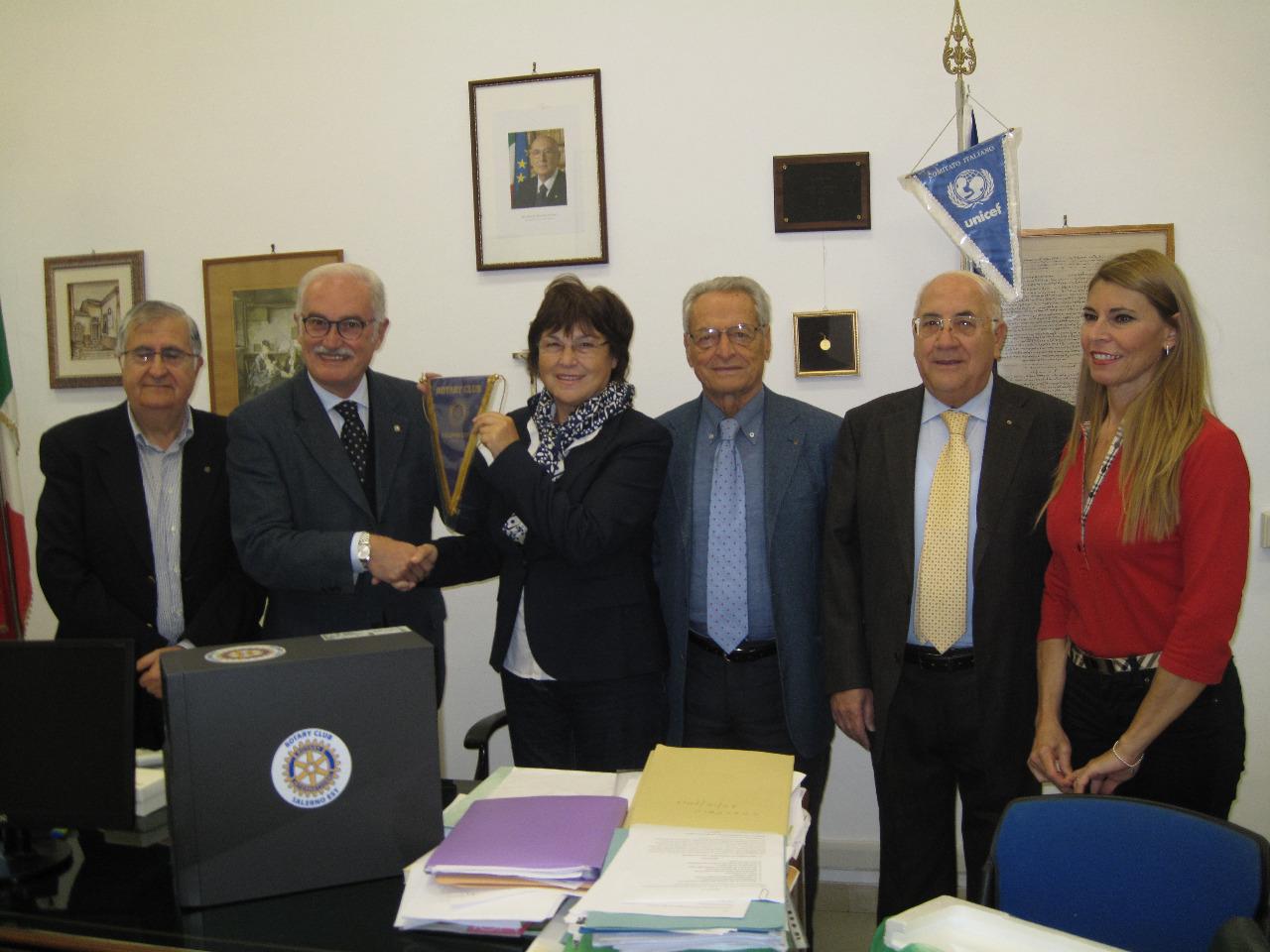Rotary Salerno Esty consegna PC 2013 (7)