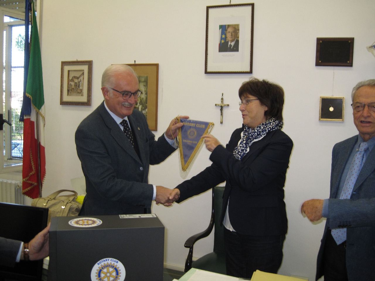 Rotary Salerno Esty consegna PC 2013 (2)