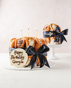 CANNOLI CAKE LARGE 2.jpg