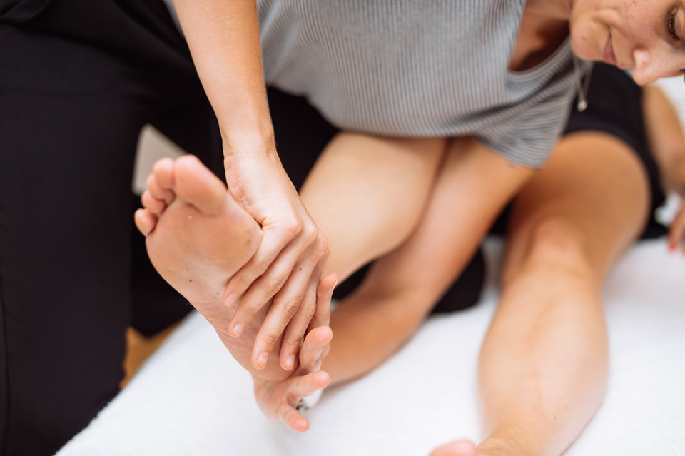 To run through it or to rest? The running injury question.