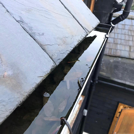Gutter clearing