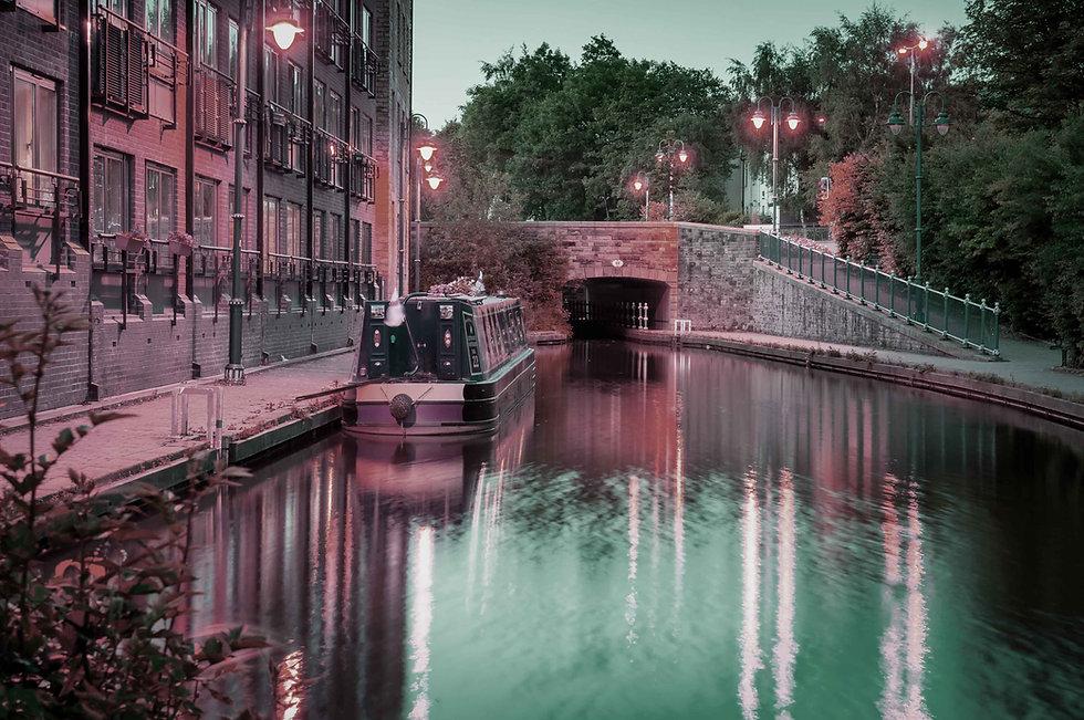 Manchester-canal-lowres.jpg